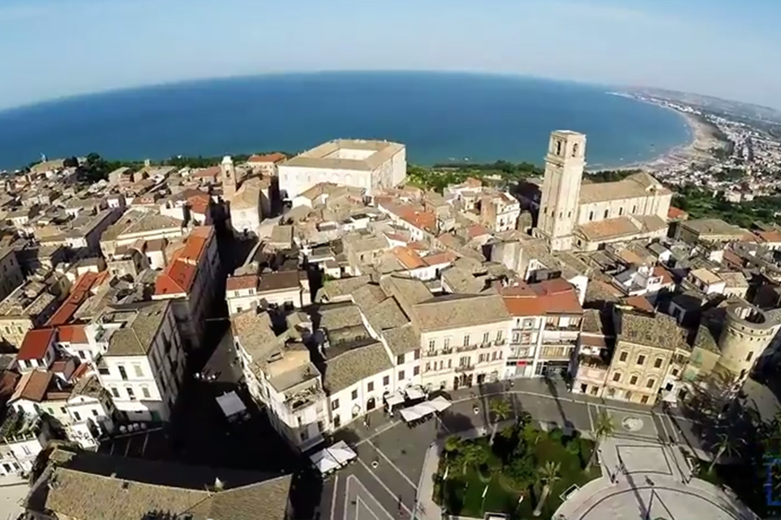 VASTEGGIANDO THROUGH A DRONE ( Video )